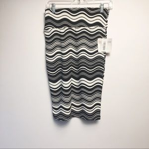 *3 for $36* Lularoe Cassie Skirt Size XS